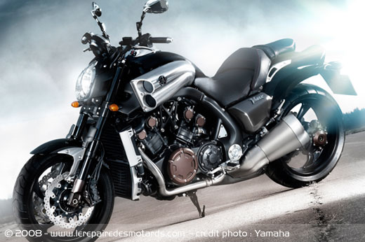 nouveau yamaha vmax 2009 un v4 de 1 679 cm de 200 chevaux. Black Bedroom Furniture Sets. Home Design Ideas