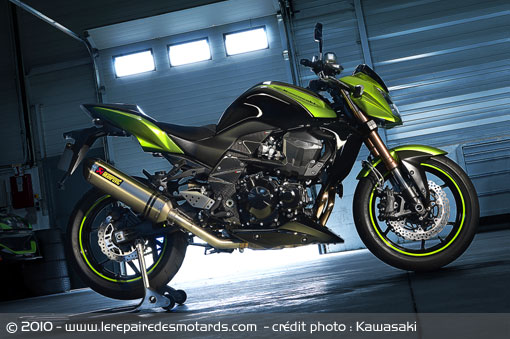 kawasaki z750r 2011. Black Bedroom Furniture Sets. Home Design Ideas