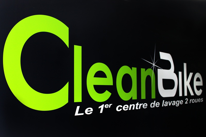 clean bike le centre de lavage exclusif aux 2 roues. Black Bedroom Furniture Sets. Home Design Ideas