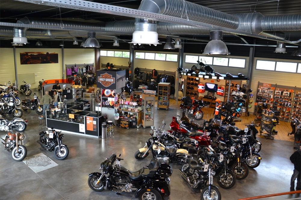 inauguration de la concession harley davidson avignon. Black Bedroom Furniture Sets. Home Design Ideas