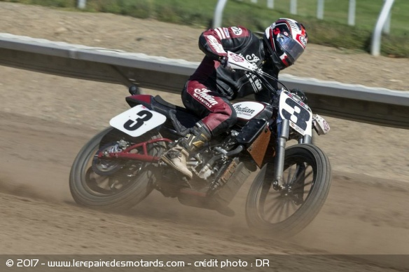 Indian Scout FTR 750 en action