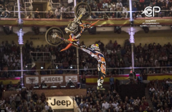 Red Bull X-Fighters : victoire de Levi Sherwood