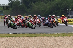 WSBK : 3 courses par week-end dès 2019