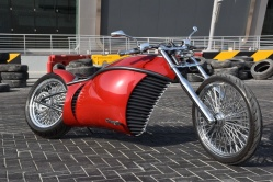 Le Model One sera bientôt rejoint par l'E-Bullet - Crédit photo : E-Choppers