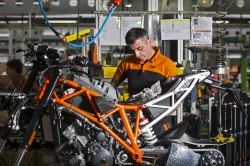 KTM suspend sa production moto - Crédit photo : KTM