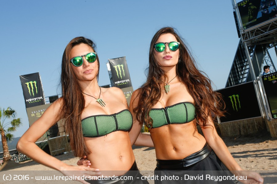 les umbrella girls du gp de catalunya monster girls