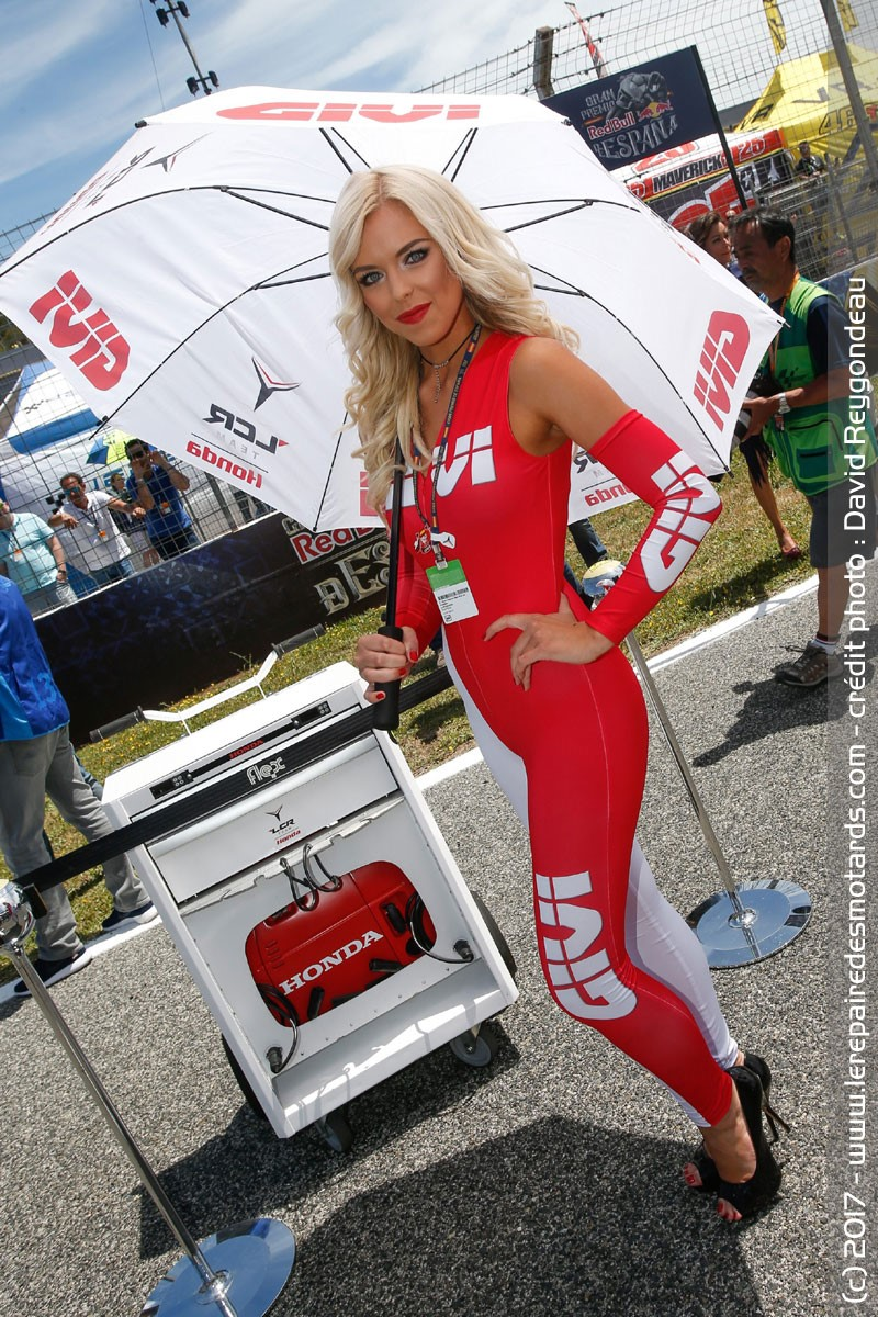 Bell Moto 3 >> Les umbrella girls de Jerez Umbrella girl Givi