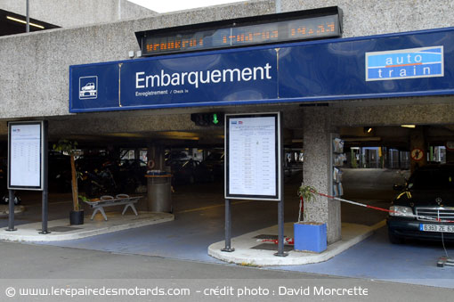 Embarquement Moto-Train