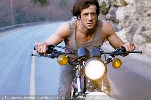 Sylvester Stallone sur une Yamaha XT 250 dans Rambo