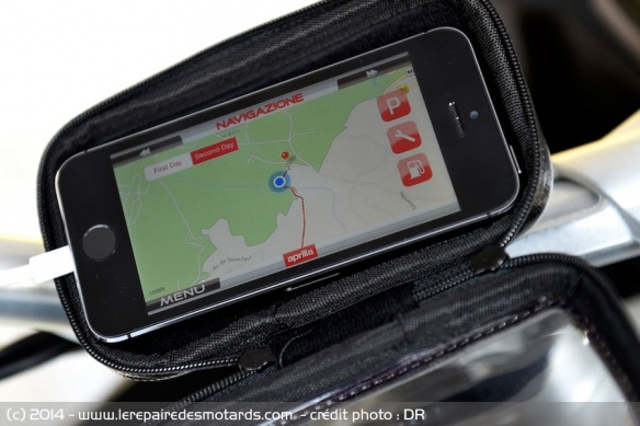 GPS Iphone sur Aprilia Caponord Travel Pack