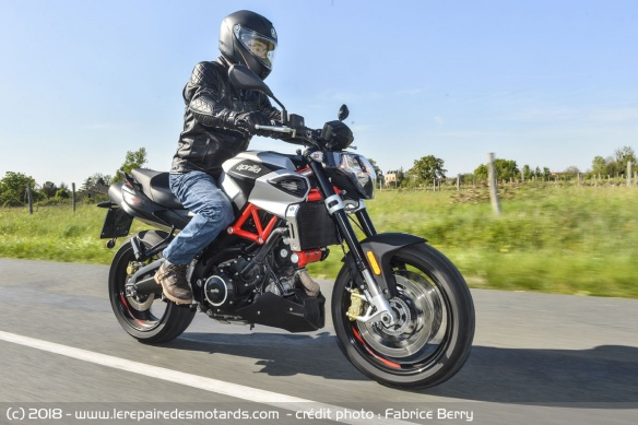 Aprilia Shiver 900 sur nationale