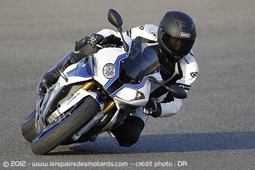BMW S1000RR HP4 de face