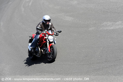 Ducati Monster 1100 Evo ABS et DTC