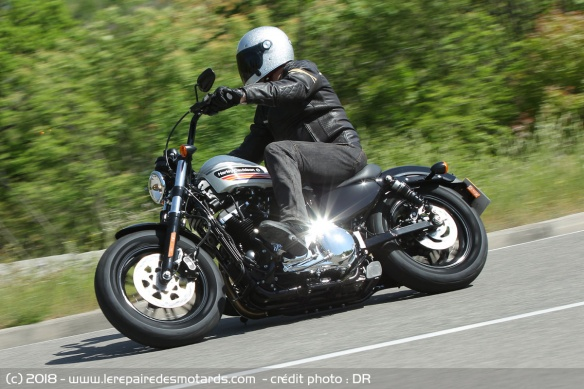 Harley-Davidson Sportster 1200 Forty-Eight Special sur route