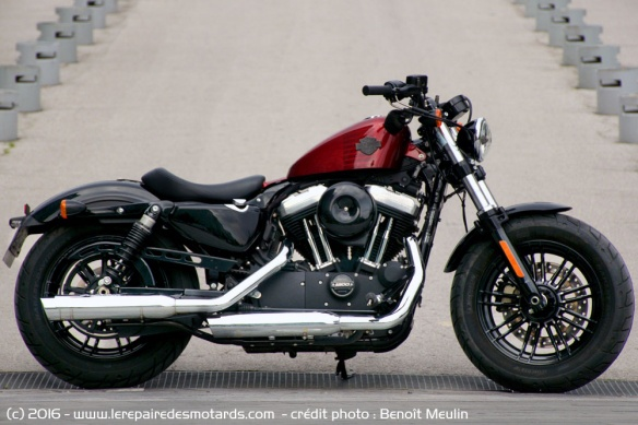 Harley-Davidson Forty-Eight rouge