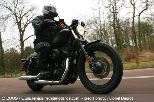 883 Iron Hd-sportster-iron-883-route
