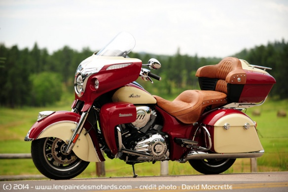 Cruiser GT Indian Roadmaster de côté