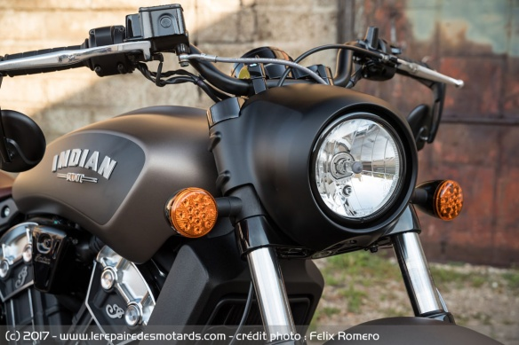 Le phare de l'Indian Scout Bobber