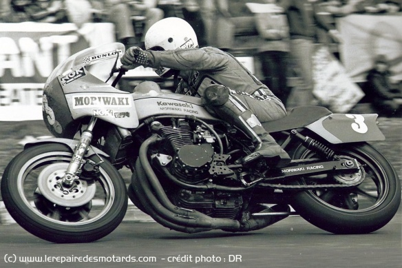 Crosby on the Moriwaki Kawasaki Z1B during the 1979 Ulster GP