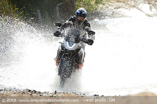 Passage de gué sur KTM 1190 Adventure R