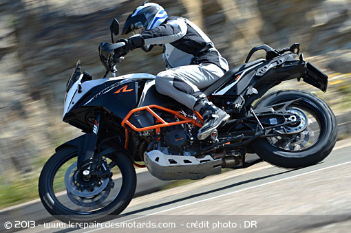 KTM 1190 Adventure R sur route