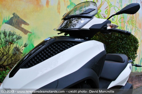 Frontal scooter Piaggio MP3 Yourban