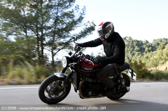 Essai de la Triumph Speed Twin sur route