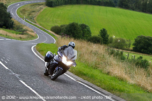 Triumph Trophy 1200 sur routes