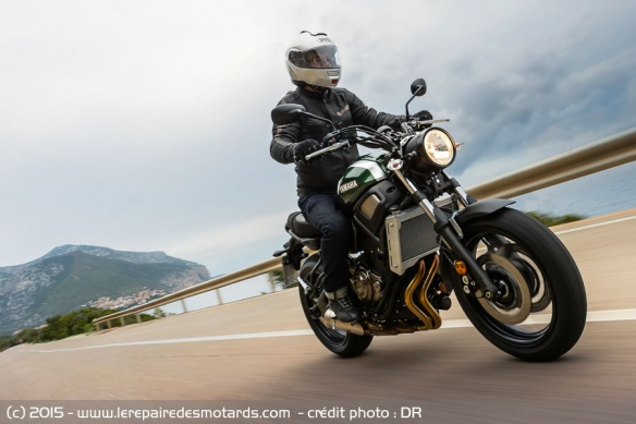 Yamaha XSR700 sur nationale