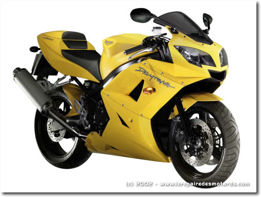 moto hypersport triumph daytona 600. Black Bedroom Furniture Sets. Home Design Ideas