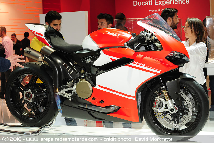 nouveaut s 2017 salon milan ducati 1299 superlegerra. Black Bedroom Furniture Sets. Home Design Ideas