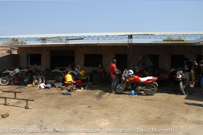 Voyage de r ve le repaire en bolivie garage vieilles for Garage reparation moto